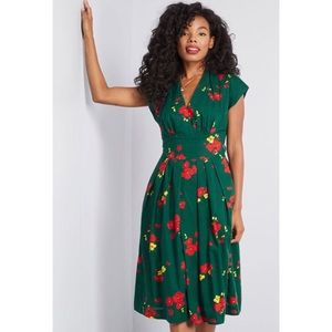 Emerald green, Floral, Stunning: Modcloth!